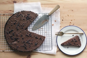 Cacao Cream Tart // Recipe by Naturopath & Nutritionist Renee Naturally